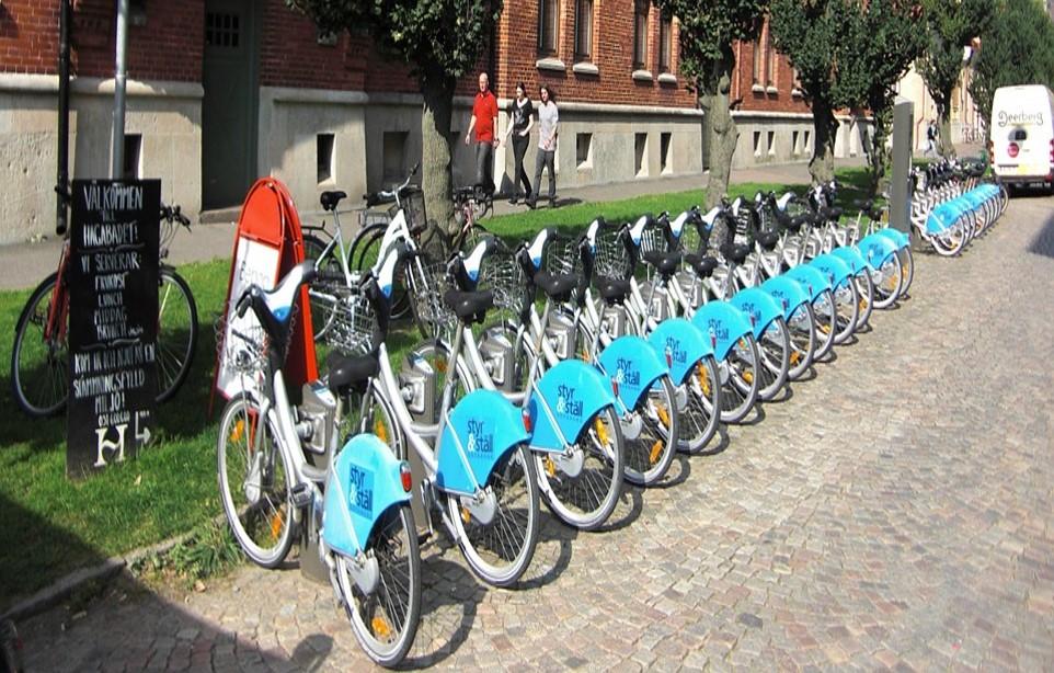 국내뿐 아니라 전세계를 타겟으로 한 자전거 용품이 wheelswing입니다.